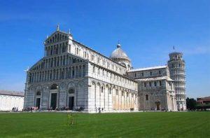 Torre-pendente-di-Pisa-italy